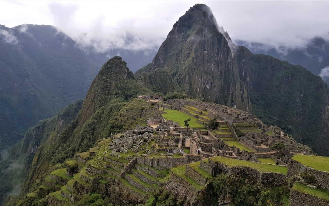 Stillehavskysten, Andesbjergene og Amazonjunglen set fra sadlen af en motorcykel