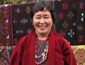 Lokal Bhutansk kvinde